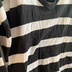 Old Navy Tops - Old Navy Charcoal Grey & White Striped Long Sleeve